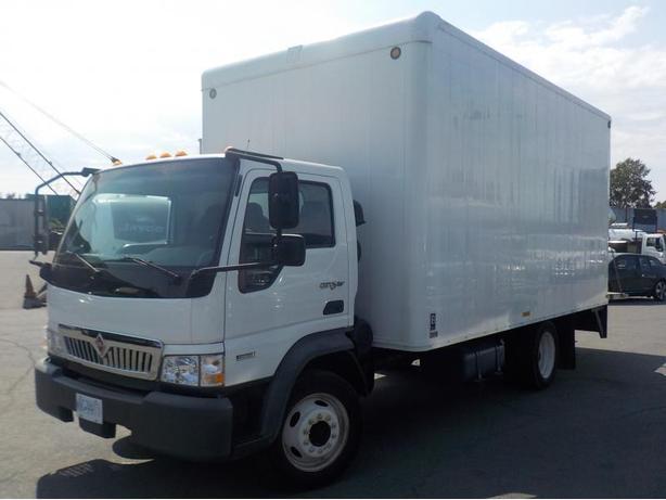 2010 International City Star CF 600 Diesel 16 Foot Cube Van w/ Power Tailgate