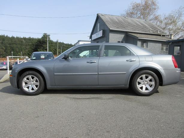 2006 Chrysler 300 Touring - BC ONLY - HEATED SEATS