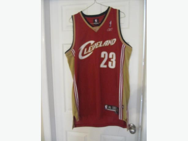 the latest 86dd0 17e50 Lebron James Cavaliers Reebok Jersey 2003-2009. Men's XL ...