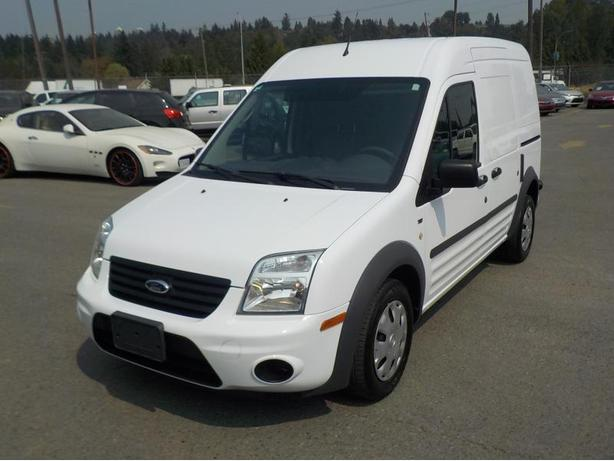 2012 Ford Transit Connect Cargo Van XLT with Bulkhead Divider