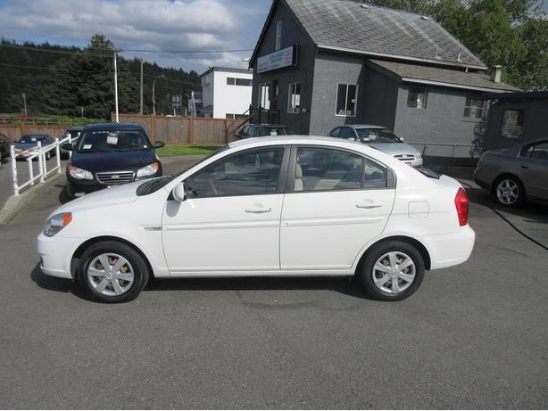 2007 Hyunda Accent Sedan - NO ACCIDENTS-LOW KM-ON SALE-3 MONTH 3000 KM WARRANTY