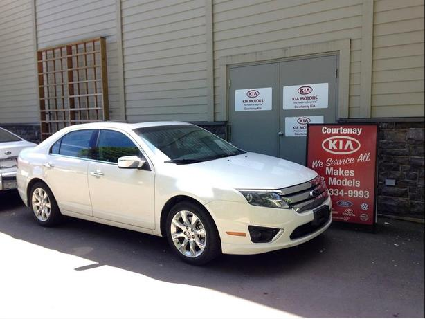 2012 Ford Fusion SEL ** $200.00 Gas Card included**
