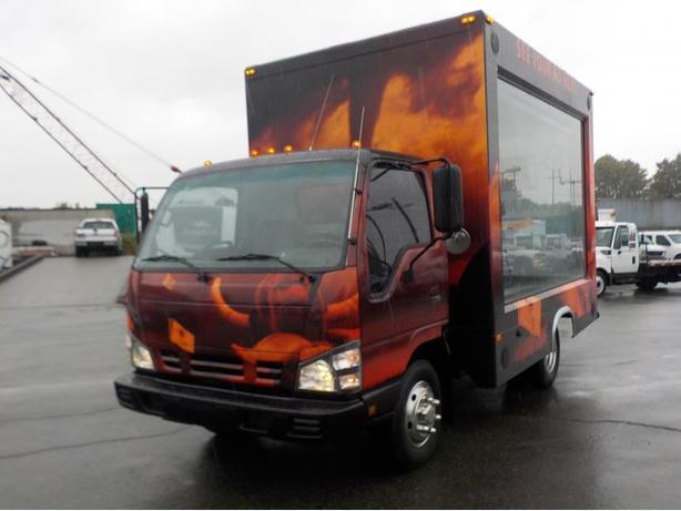 2006 GMC W3500 12 Foot Mobile Advertisement Cube Van Diesel