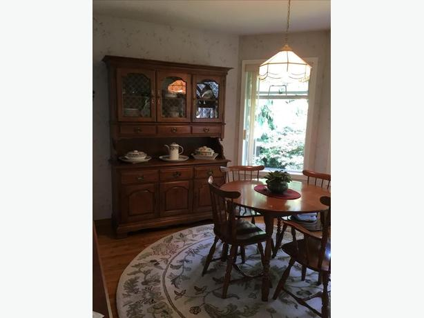 Solid Maple By Vilas Dining Set And Buffet Hutch
