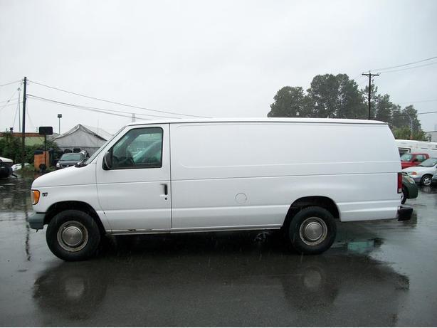 2006 Ford E350 Extended Cargo Van