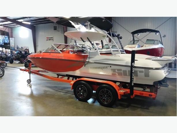 2017 Sanger Boats 215 SX