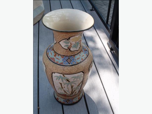 flower floor vase,