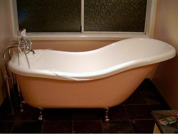 "Acrylic 5' 6"" claw foot slipper tub with freestanding filler ..."