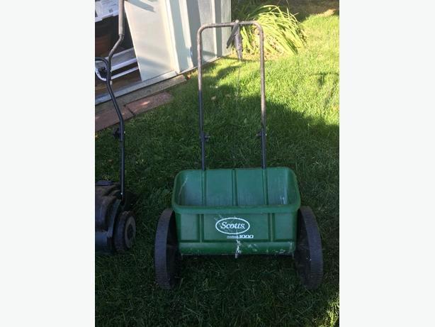 Grass Seeder / Fertilizer Spreader