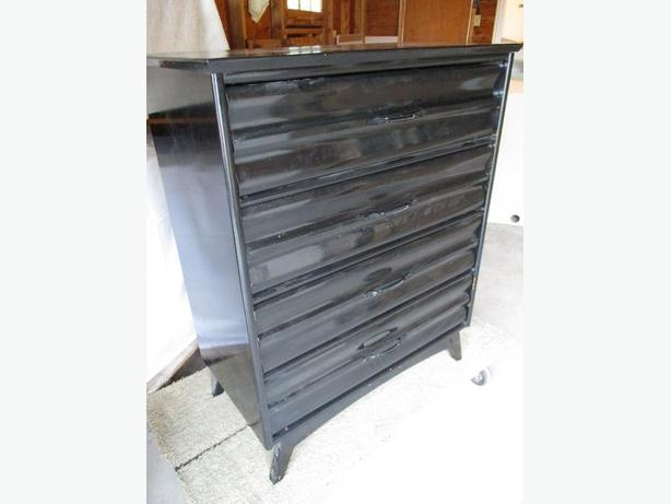 GRAMAS ESTATE CHEST OF DRAWERS