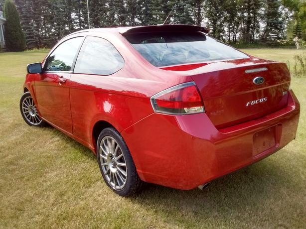 2010 Focus SES leather coupe