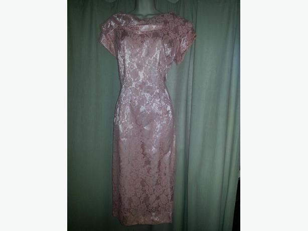 RETRO STYLED / Peachy Salmon Pink DRESS