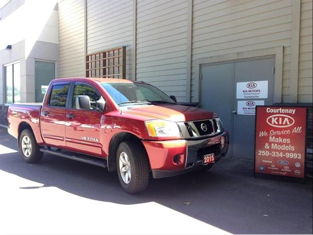 2015 Nissan Titan 4x4 ** $500.00 Gas Card included**