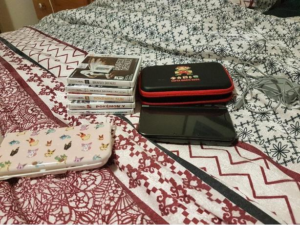 NEW 3DS XL Bundle w/ Games and Extras