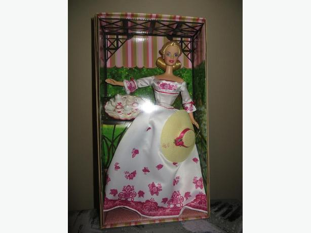 AVON Victorian Tea Barbie