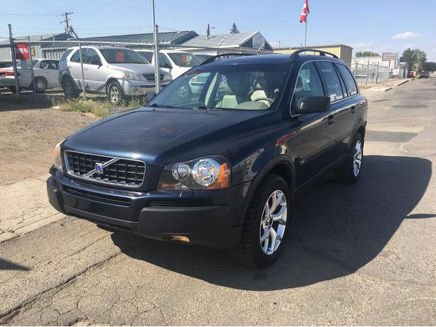2004 VOLVO XC90 AWD with HEATED LEATHER SEATS 7 PASSENGER