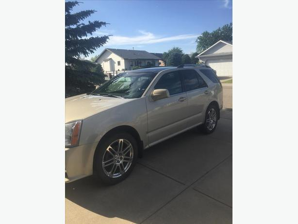 LUXURY SUV NEEDS A NEW HOME!!!