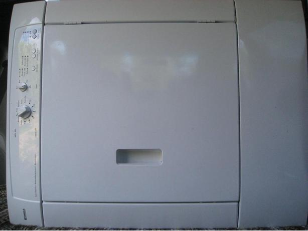 White Kenmore electric dryer