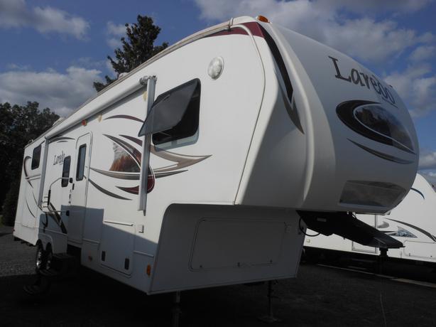 2011 Laredo 305TG 5th Wheel Trailer