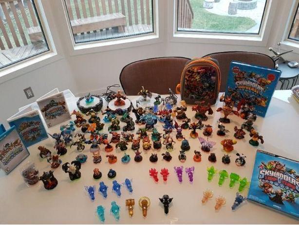 Skylanders Wii U Swap Trap Giants Figures Games Guide Crystals LOT