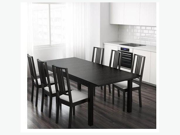 Dinner table / Table a manger