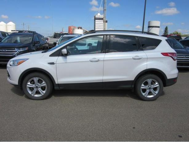 2015 Ford Escape SE AWD - Excellent Condition - No extra fees!
