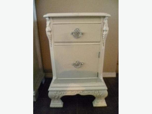 Vintage carved and painted 0ff-white night table