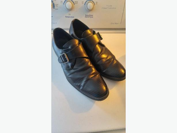 pair of mens business shoes
