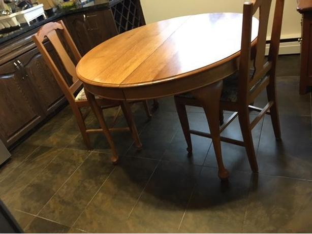 antique oak queen anne table & 2 chairs