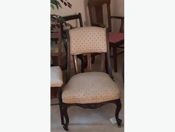BEAUTIFUL ANTIQUE PARLOR/ SLIPPER CHAIR