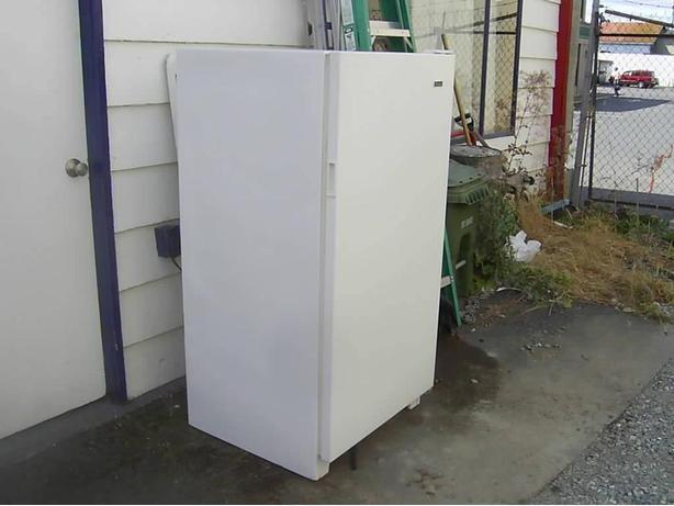 General Upright Freezer North Saanich Amp Sidney Victoria