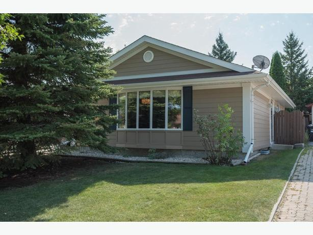 Remodelled Bungalow in Lakeside Meadows - Jennifer Queen