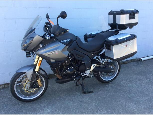 2010 Triumph Tiger 1050i w/ Bags + Service complete, great Touring Bike