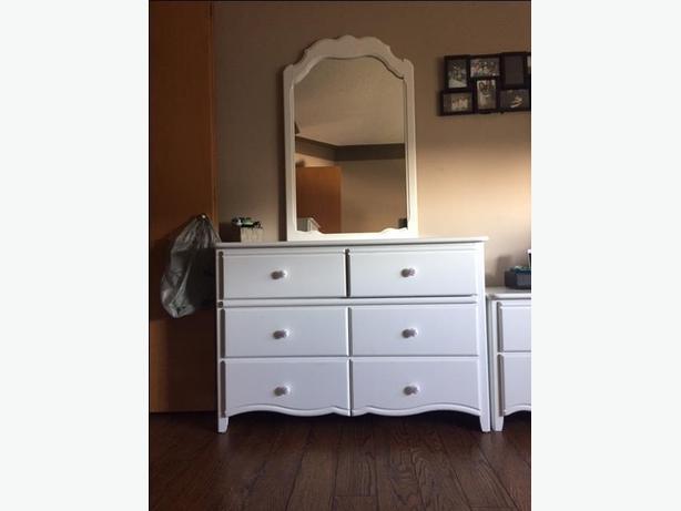 Bedroom Furniture (3pc)