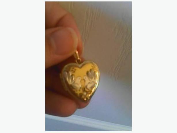 14K Gold Unique Heart Shaped Pendant