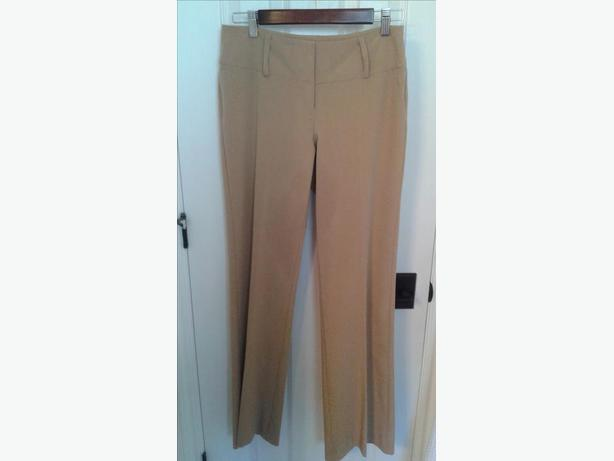 Woman's Assorted pants