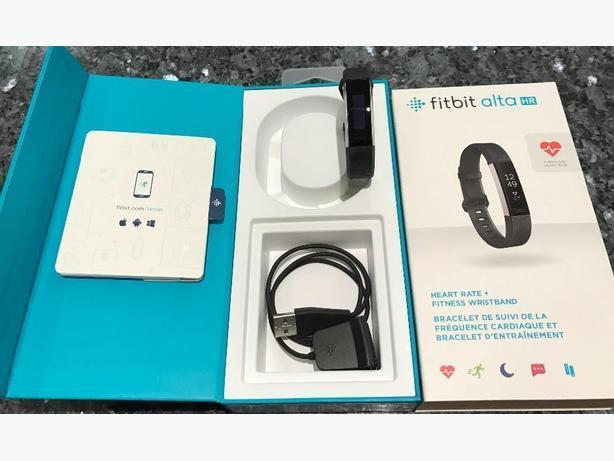 Fitbit Alta HR - Black/ Small
