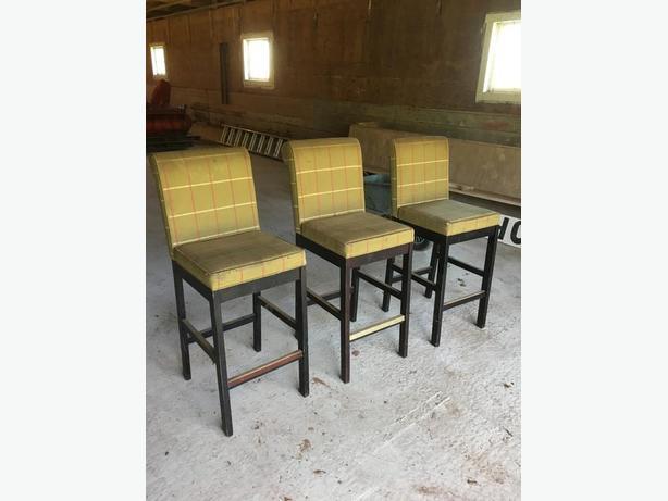 Set of three bar stools