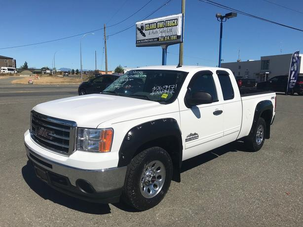 2012 GMC Sierra 1500 SL *Upgraded Tires, Fender Flares, Spray Liner!*
