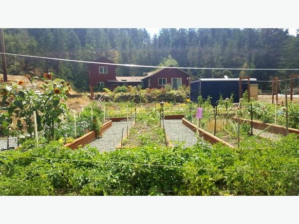 FARM ON 8.6 ACRES SOUTHERN VANCOUVER ISLAND!
