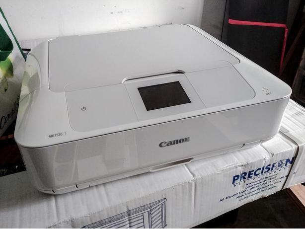 Canon PIXMA MG7520 wireless printer.