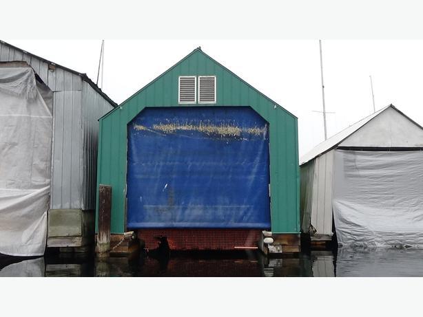 2004 / 40FT Boathouse