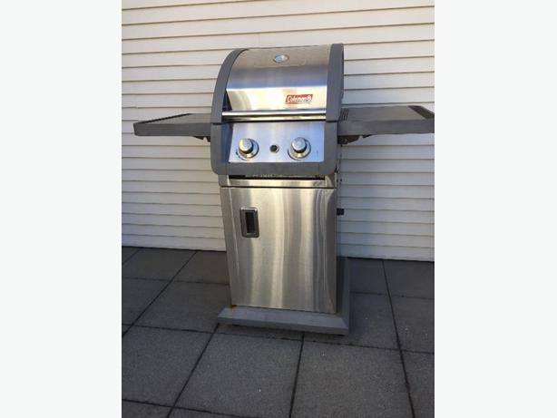 Small Space Coleman Gas BBQ