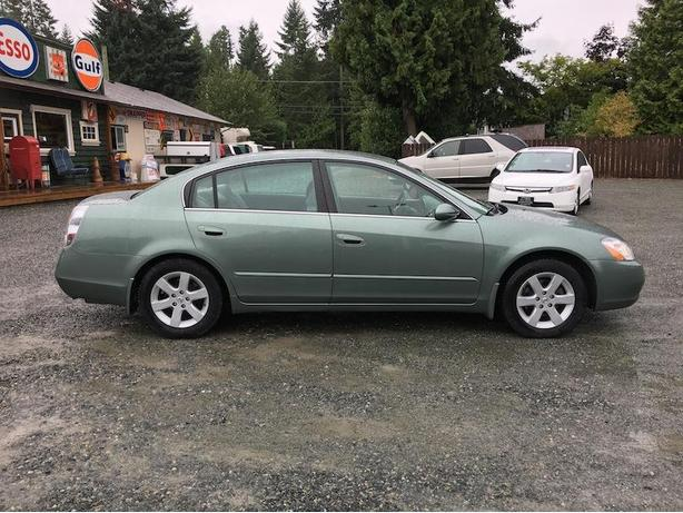 2003 Nissan Altima Auto with Only 136,000 KM