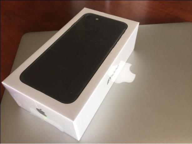 Quicksale-Unopened New iPhone 7 - 2 Year Warranty