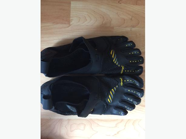 6cf3e3858725 Vibram Men  39 s Fivefingers Signa Water Shoes - Black Saanich