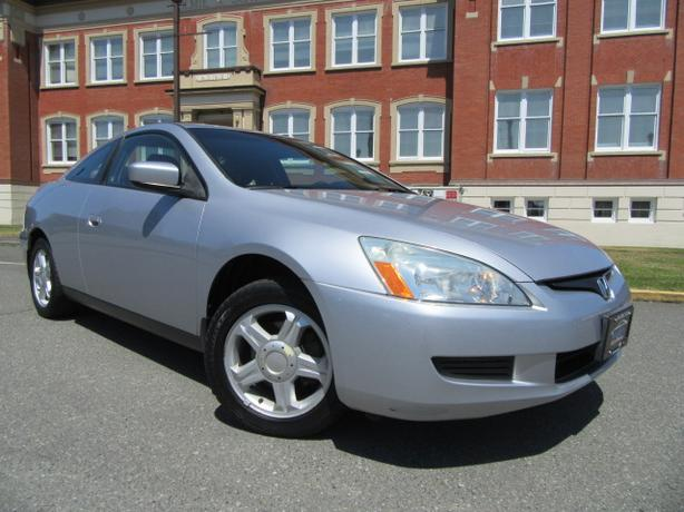 2003 Honda Accord Coupe, 5 Speed,   No Accidents, Low Kms