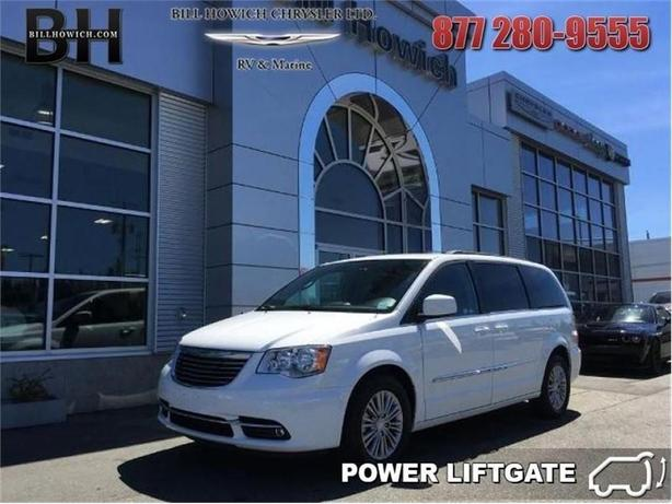 2016 Chrysler Town & Country Touring-L - Leather Seats -  Remote Start - $173.1