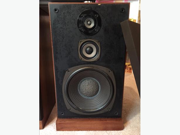 Vintage Realistic Optmus-25 MidRange Speakers
