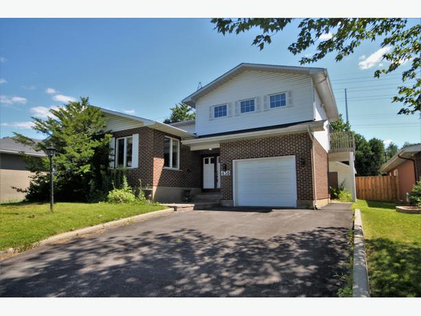 Large 4 Bed 4 Bath Home, No Rear Neighbors, 5mins to DT!